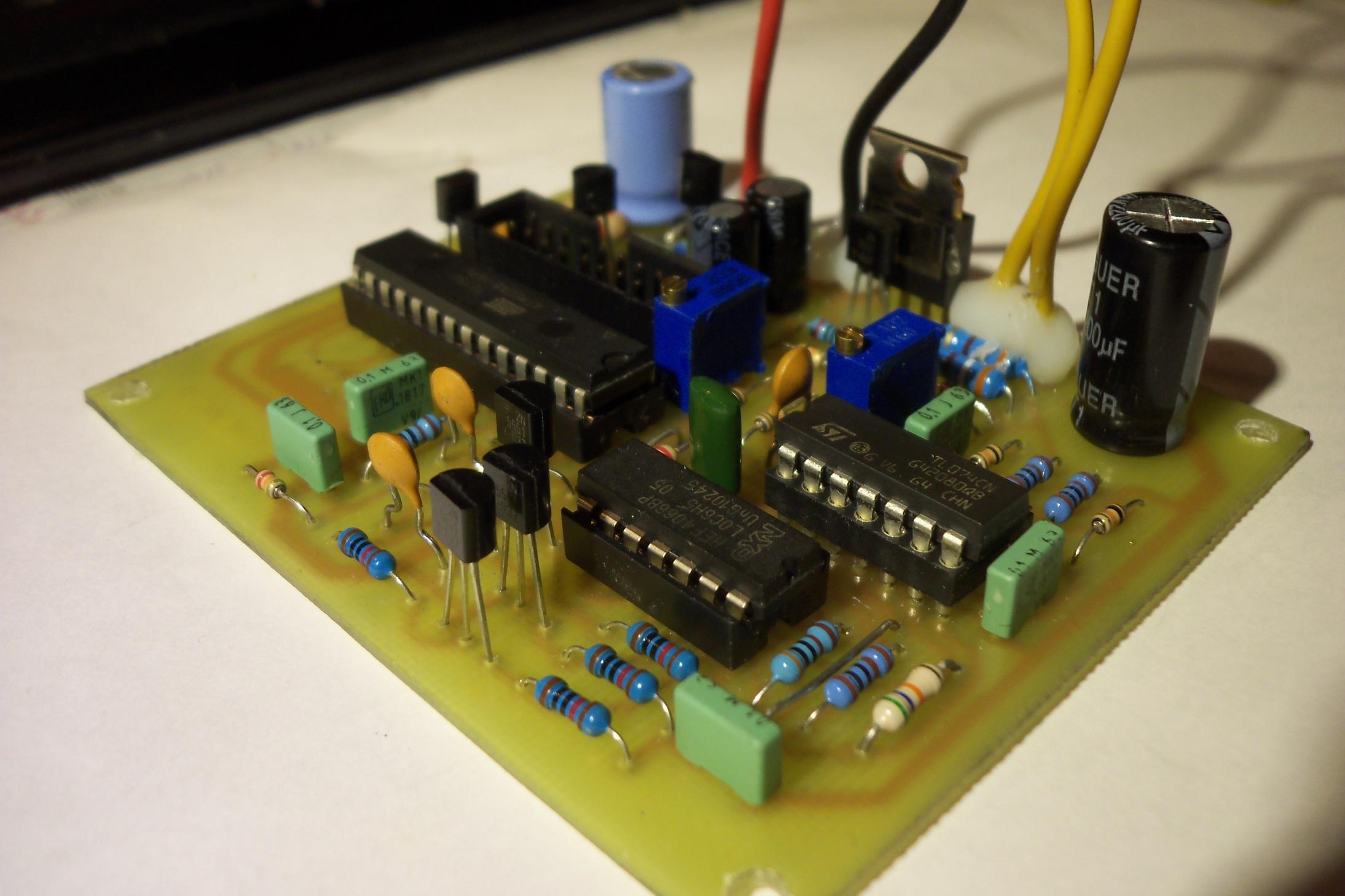 """,""blog.elektronika.lt"